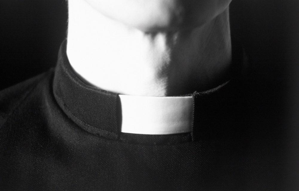 Vajon elhagyja-e a papi pályát Frank atya?…